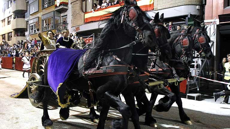 Tres mil figurantes y 400 caballos en la procesión de Lorca