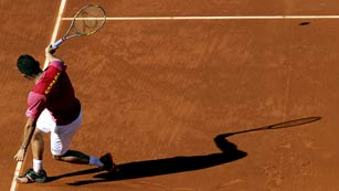 Ver vídeo  'Los tres mejores puntos del partido Almagro - Isner de semifinal de la Copa Davis'