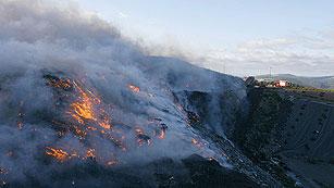 Ver vídeo  'Tres muertos, entre ellos una menor, por el incendio del Empordà que arrasa 13.000 hectáreas'