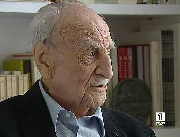 Ver v?deo  'TVE entrevista a Francisco Ayala al cumplir 102 años'