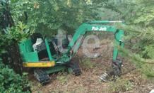 Los trabajos de búsqueda del cuerpo del empresario secuestrado por el GRAPO se realizan con ayuda de una excavadora