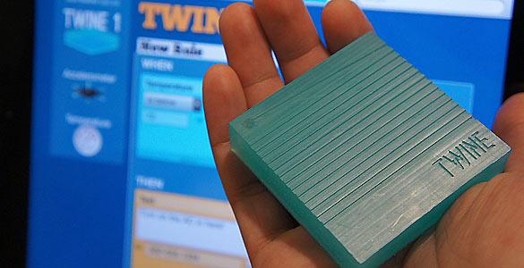 Las cajitas de Twine se configuran con una aplicación web extremadamente fácil de programar, de modo que lo que detectan se convierta en mensajes de correo, SMS o tuits.
