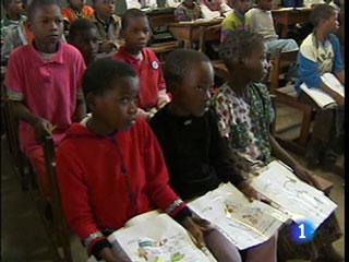 Ver v?deo  'En los últimos cinco años más 38 millones de niños han vuelto a la escuela.'