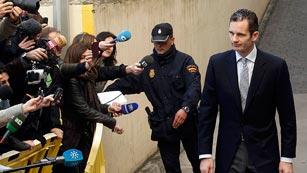 Ver vídeo  'Urdangarin ha entrado en los juzgados de Palma minutos antes de las nueve de la mañana'