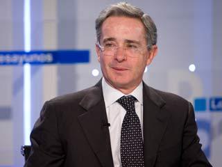 """Ver vídeo  'Uribe ve """"indicios"""" de relación ETA-FARC'"""