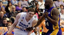 Ir al Video&nbsp;Valencia Basket 93-86 Blancos de Rueda Valladolid