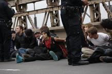 Varios detenidos en el puente de Brooklyn