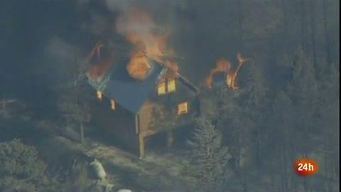 Ver vídeo  'Varios incendios forestales azotan a cinco estados de EE.UU.'