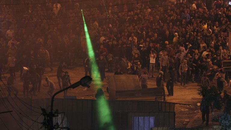 Varios muertos en los graves enfrentamientos entre detractores y partidarios de Morsi