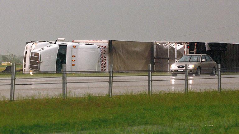 Varios tornados causan cinco muertos y 20 heridos en Oklahoma en las últimas horas