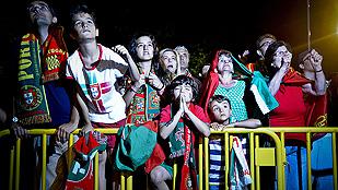 Ver vídeo  'Los vecinos portugueses sufrieron por la eliminación'
