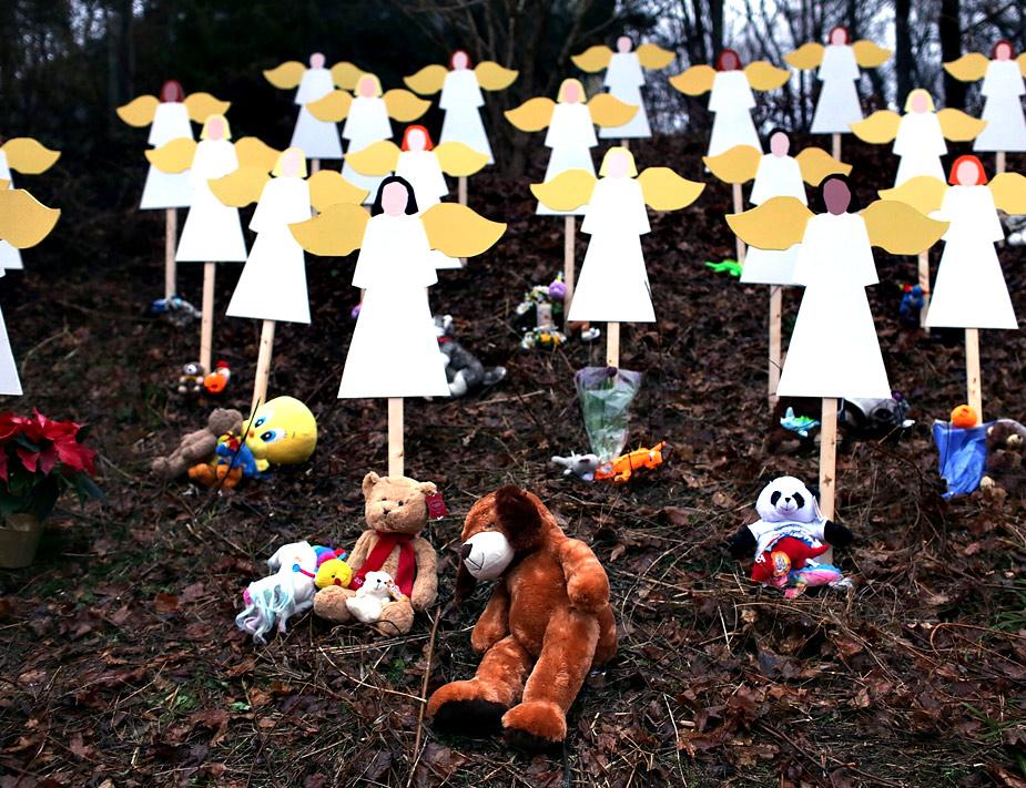Veintiseis 'ángeles' murieron en diciembre en una escuela de Newton, Conneticut, cuando un jóven abrió fuego contra los niños y varios profesores del colegio. Spencer Platt/Getty Images/AFP
