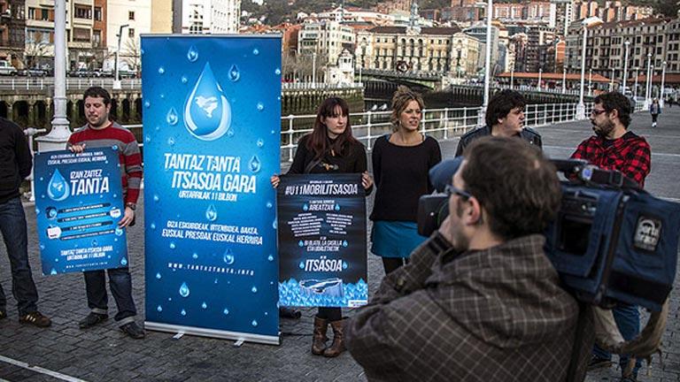 Velasco prohíbe la marcha a favor de los presos de ETA por convocarla la sucesora de Herrira