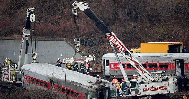 La velocidad, la causa más probable del accidente ferrociario en Nueva York