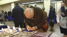 Venta de numismática en la plaza Mayor de Madrid