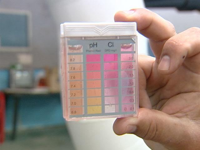 En verano hay que tener cuidado con el cloro de las for Nivel de cloro en piscinas
