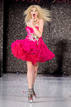 Vestido fucsia - Betsey Johnson - Mercedes-Benz Fashion Week