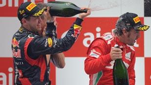 Vettel gana y Alonso, con una gran carrera, es segundo