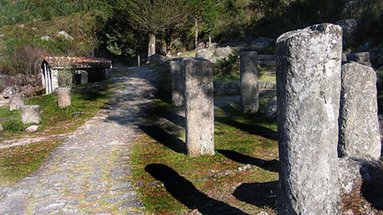 La Vía Nova, una calzada romana contemporánea del Coliseo de Roma