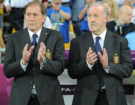 Vicente del Bosque (a la derecha), seleccionador español de fútbol, junto a su segundo, Toni Grande (a la izquierda)