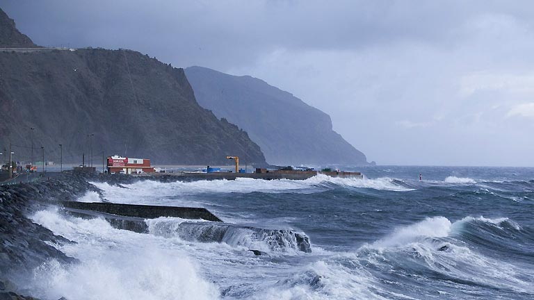 Alerta por lluvia y viento fuerte en Canarias