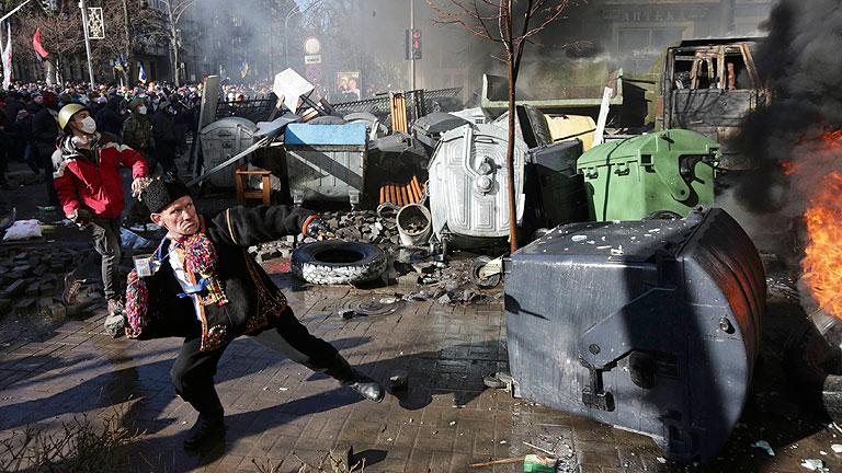 Violencia y disturbios en las calles de Kiev