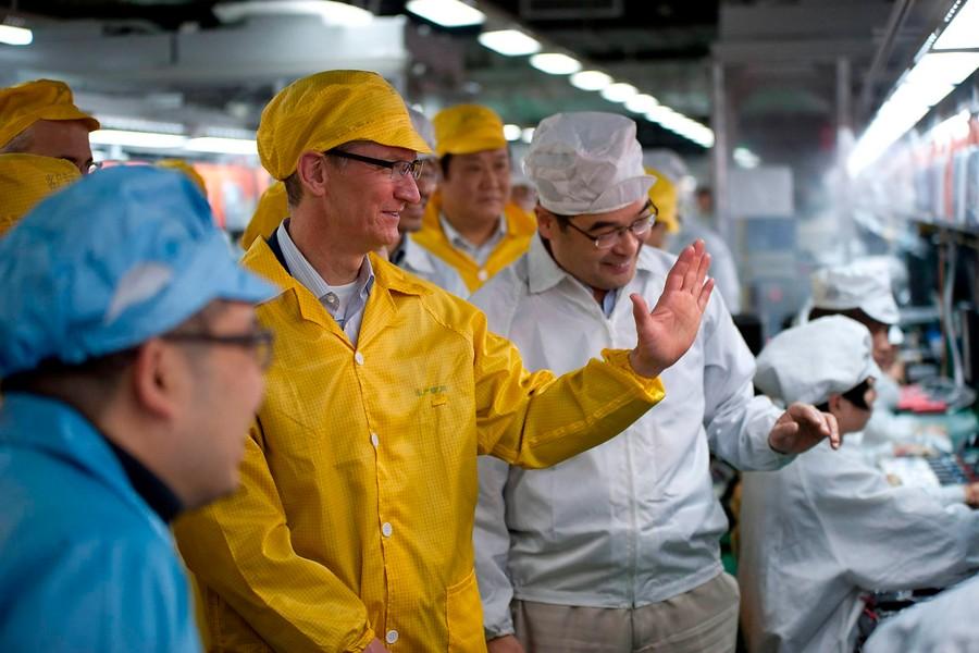 La visita del jefe a la fábrica: Tim Cook en Foxconn