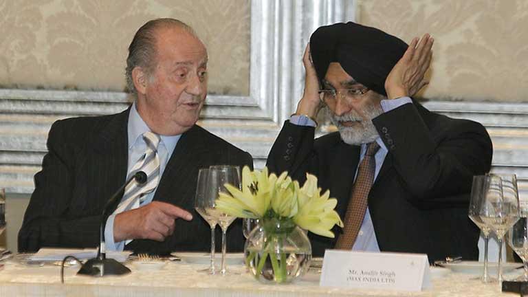 El rey dice en la India que las medidas aplicadas en España comienzan a dar resultados