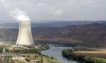 Vista general de la central nuclear de Ascó 2, en Tarragona