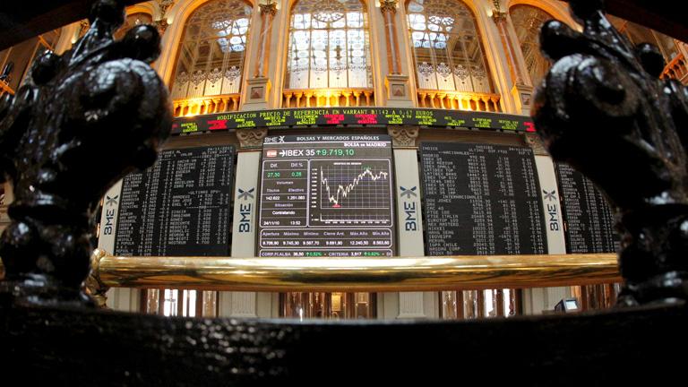 La volatilidad domina en la Bolsa, mientras la prima de riesgo repunta