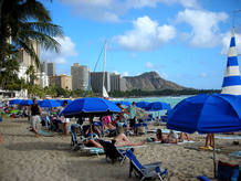 Playa de Waikiki con el Diamond Head al fondo