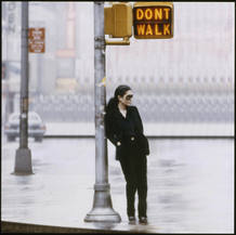 Walking On Thin Ice (fotograma de vídeo), 1981© Yoko Ono