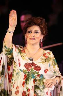 Warda durante un concierto el Argel