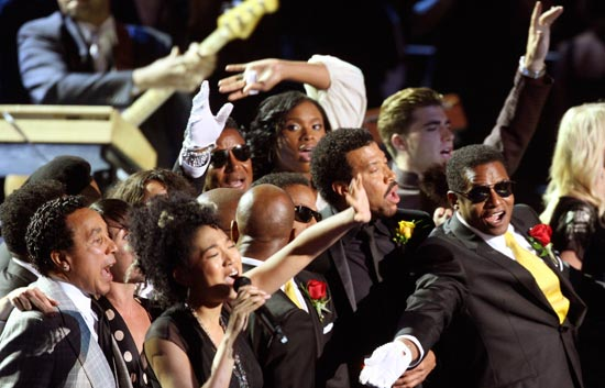 'We are the world' no podía faltar en el homenaje a Michael Jackson en el Staples Center