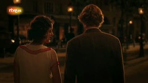 Ver vídeo  'Wilson y Cotillard pasean por París en 'Midnight in Paris''
