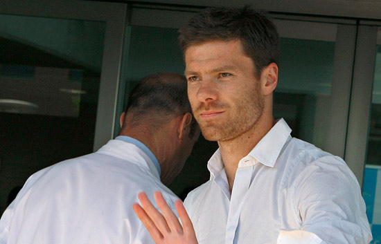 Xabi pasa el reconocimiento m&eacute;dico
