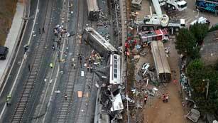 Ver vídeo  'Ya está en marcha la doble investigación del accidente, la judicial y la de Fomento'