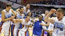 Ir al Video Ya hay cruces en el 'play- off' de cuartos de final de la Liga Endesa