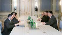Video: Yanukóvich y la oposición ucraniana vuelven a dialogar tras una jornada de alta tensión
