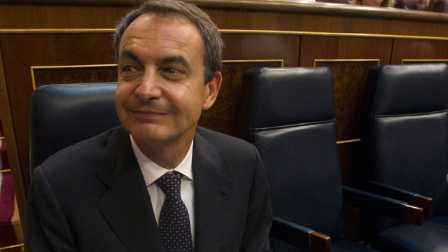 Ver vídeo  'Zapatero defiende las reformas para impulsar el empleo y la competitividad'