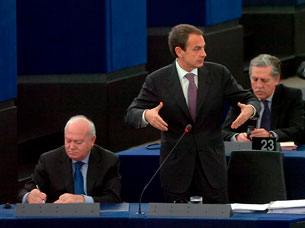 Ver v?deo  'Zapatero reclama un gran pacto social europeo'