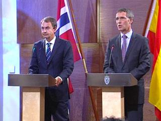Ver v?deo  'Zapatero responde por sus medidas anti-crisis'