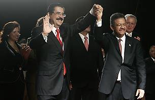 Ver v?deo  'Zelaya abandona Honduras y llega a República Dominicana'