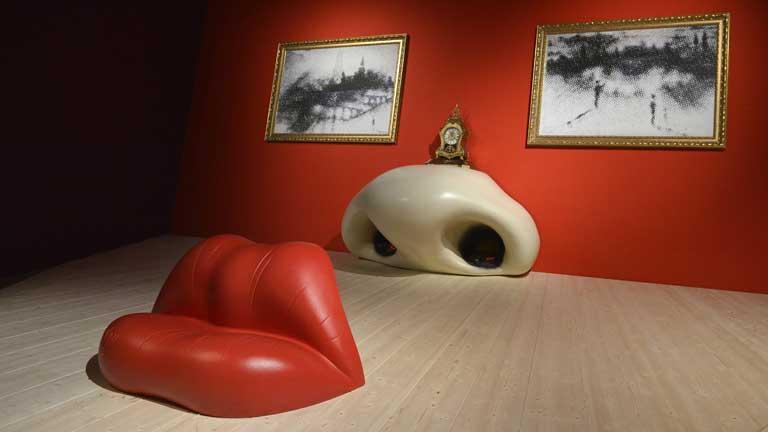 el centro pompidou abre una nueva exposici n m s all de las pinturas surrealistas telediario. Black Bedroom Furniture Sets. Home Design Ideas