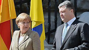 Angela Merkel se reúne con el presidente ucraniano para lograr un alto el fuego
