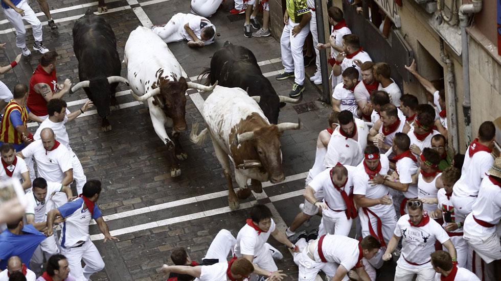 Primer encierro de San Ferm�n 2015 r�pido y peligroso con toros de ...