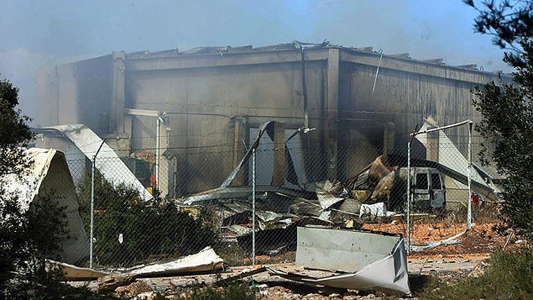 Un herido leve en la explosión en un almacén de pirotecnia en Tarragona