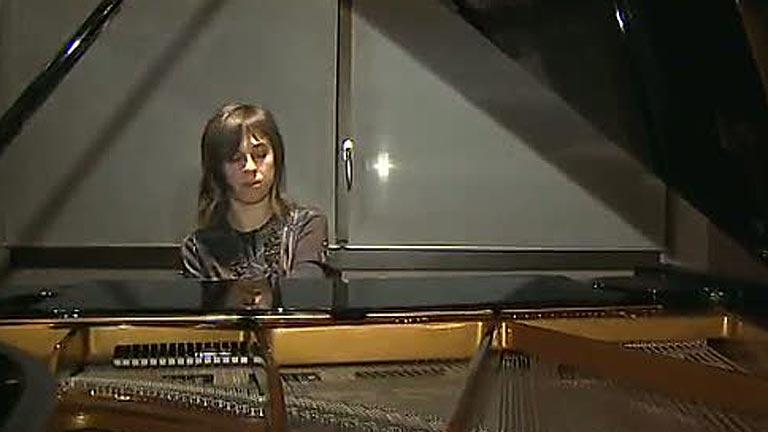 Una pianista se enfrenta a 7,5 años cárcel por molestar a una vecina