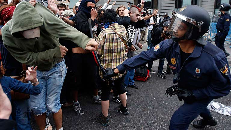 Resultat d'imatges de protesta policia
